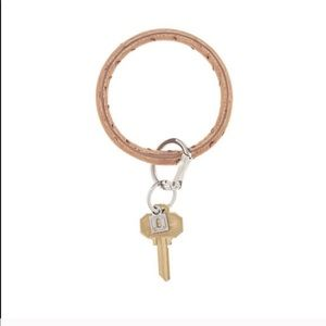Accessories - O-Venture Keyring in Mocha Ostrich